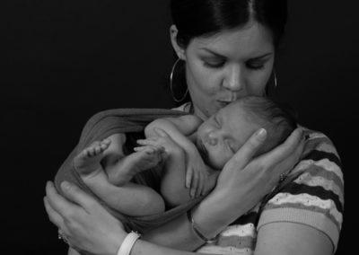 Shooting newborn Charleyne Dani